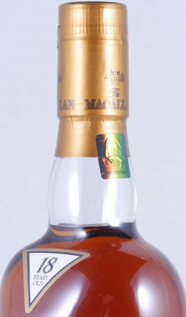 Macallan 1996 18 Years Sherry Oak Highland Single Malt Scotch Whisky 43.0%
