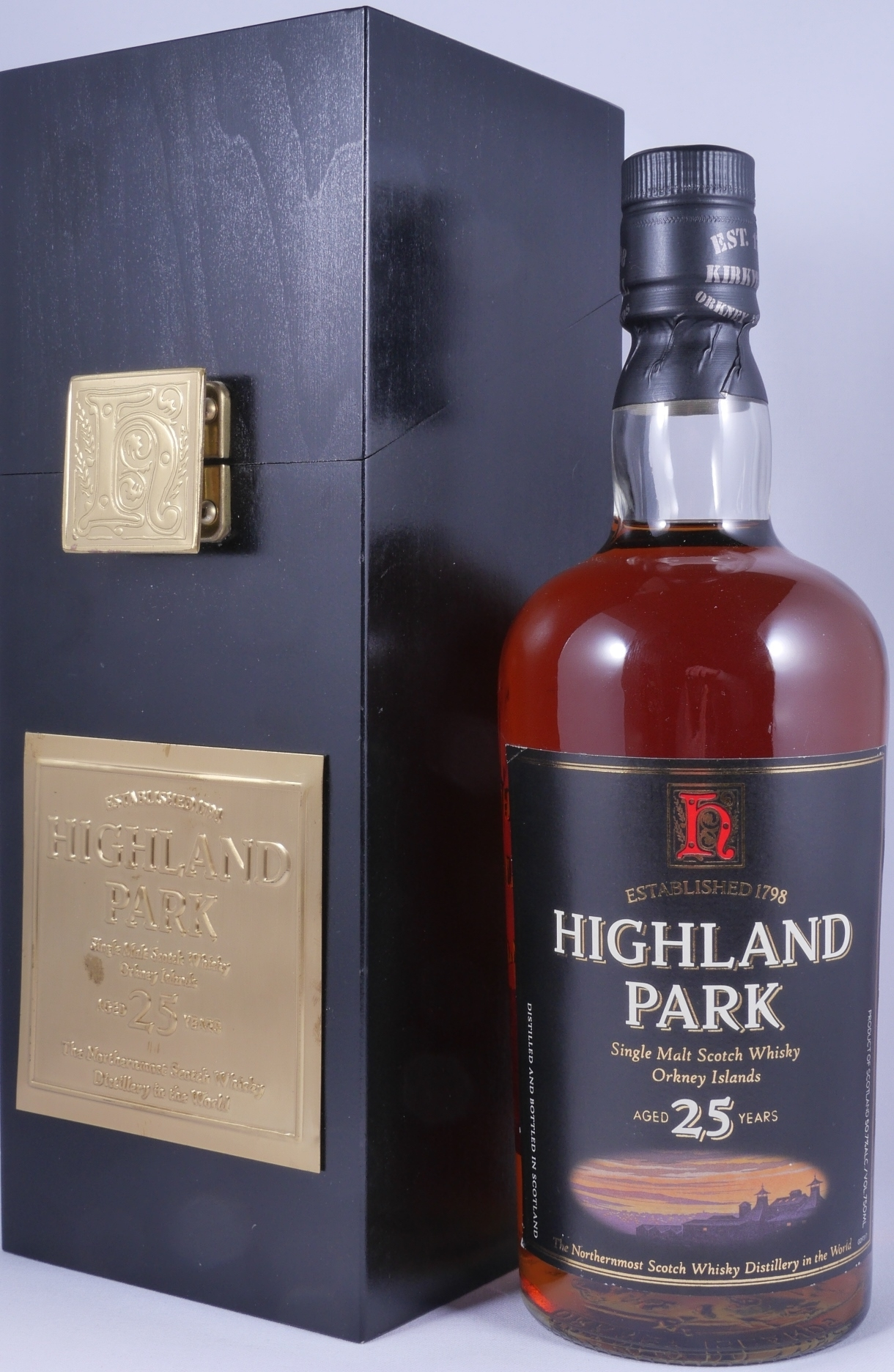 521d4f547f8 Highland Park 25 Years Release 2004 Sherry Cask Single Malt Scotch Whisky  for Remy Amerique New