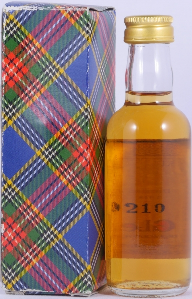Glenlivet 1948 50 Years Miniatur Highland Single Malt Scotch Whisky Gordon and MacPhail Book of Kells 40,0%