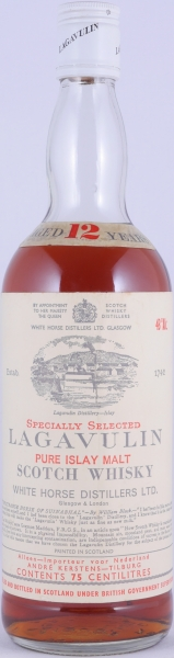 Lagavulin 12 Years Specially Selected Pure Islay Malt Scotch Whisky White Horse Distillers LTD. White Screw Cap 43.0%
